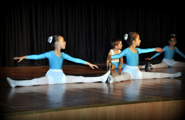 Armoni Dans